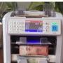 Bộ đôi máy đếm tiền ngoại tệ cực chính xác lần đầu tiện xuất hiện tại Việt Nam