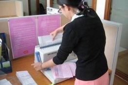 Nên mua máy đóng sách loại nào cho văn phòng?