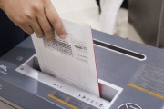 Cách khắc phục lỗi máy hủy tài liệu bị kẹt giấy an toàn nhanh chóng
